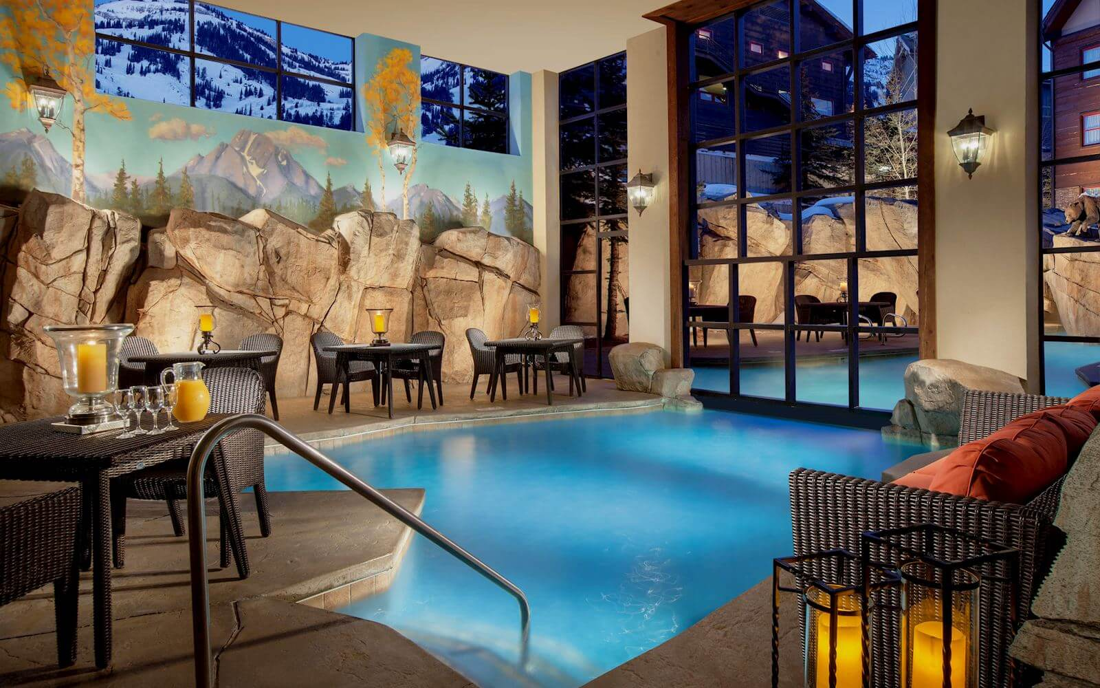 snake-river-lodge-outdoor-pool_1